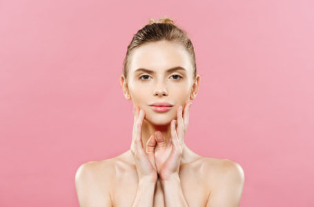 9 Tips for Taking Care of Oily Skin in the Summer